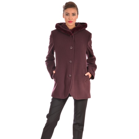Women's short coat with hood, made of wool.